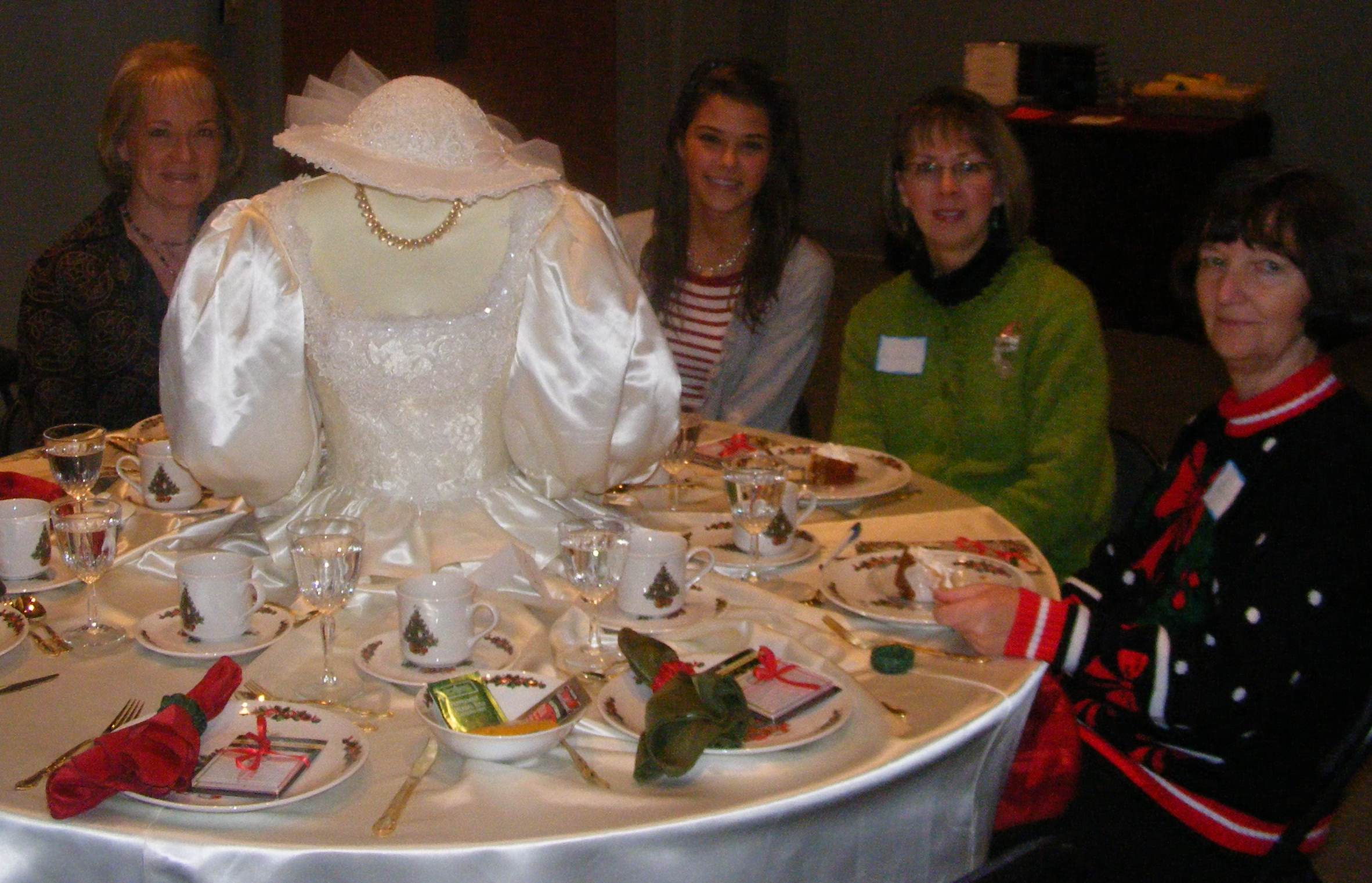 A wedding gown as a table cloth? Classic Cleaners of Indianapolis ...